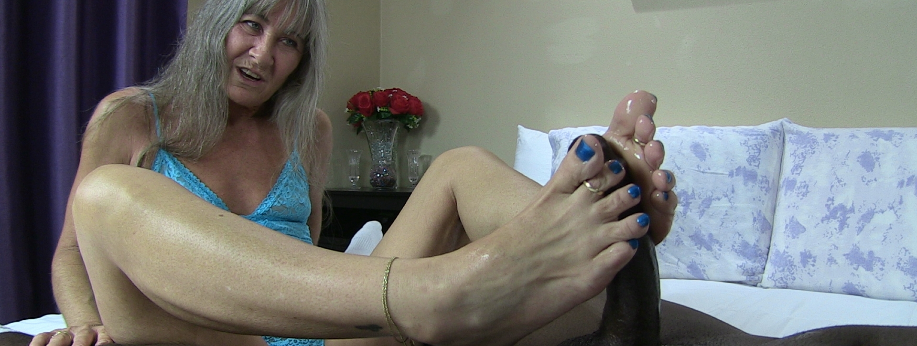 content/blue_toes_foot_job/8.jpg