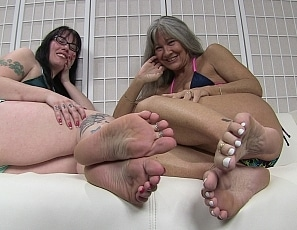 content/foot_worship_with_nikki/1.jpg