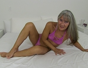 content/joi_with_sexy_milf/1.jpg