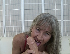 content/lips_bj_and_cum/1.jpg