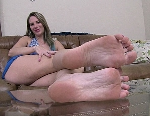 content/oily_feet_joi_vol_4/1.jpg