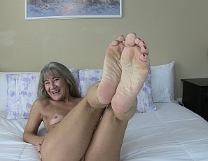 content/pov_foot_worship_joi_10/1.jpg