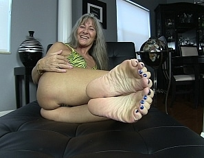 content/pov_foot_worship_joi_3/1.jpg