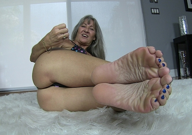 content/pov_foot_worship_joi_4/0.jpg