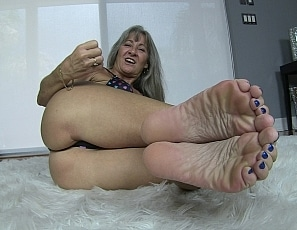 content/pov_foot_worship_joi_4/1.jpg