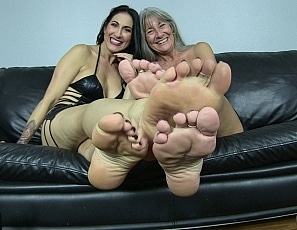 content/pov_foot_worship_joi_6/1.jpg
