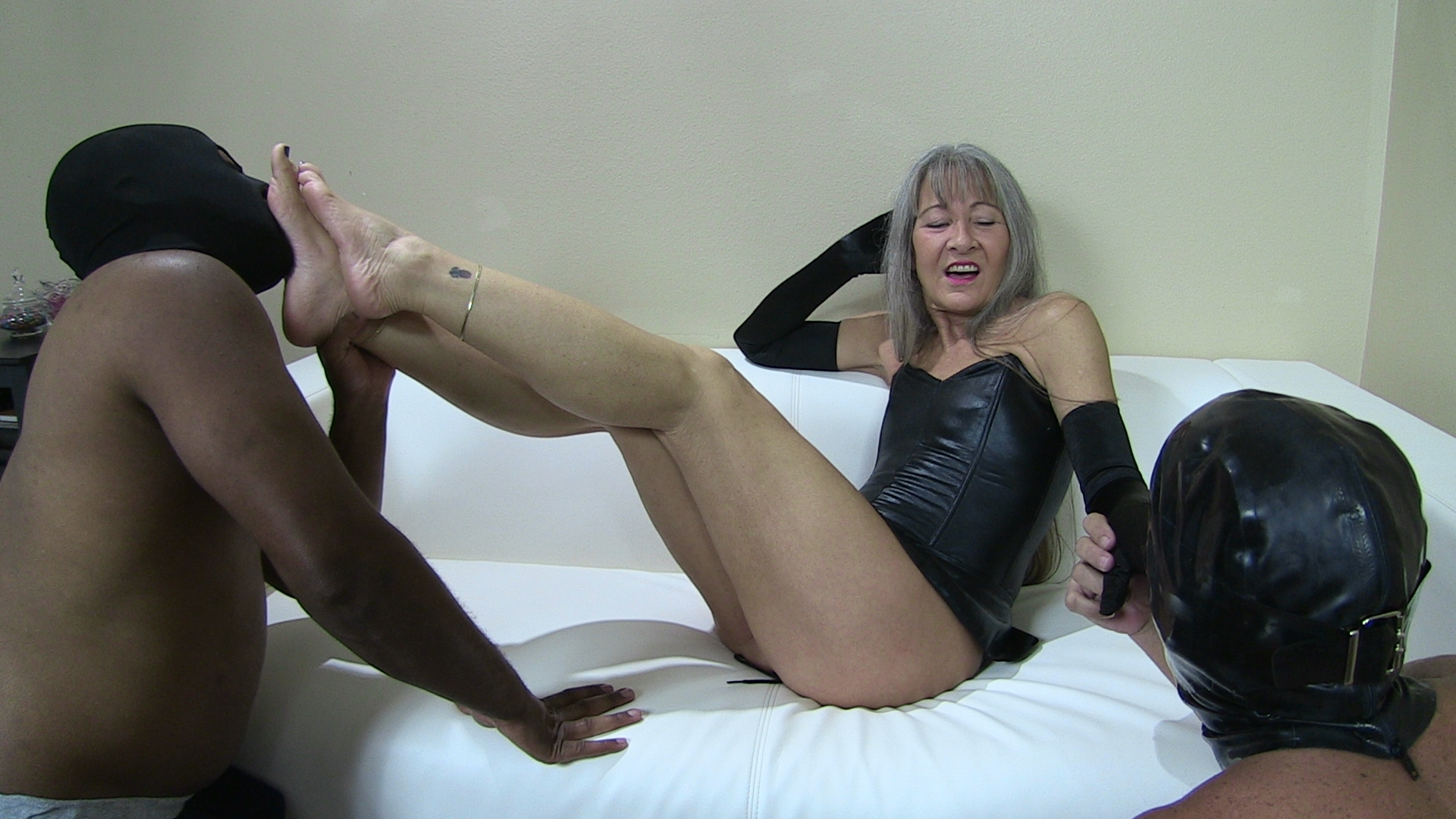 Worship my feet or i039m telling 5